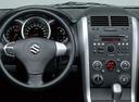 Фото авто Suzuki Grand Vitara 2 поколение [рестайлинг], ракурс: рулевое колесо