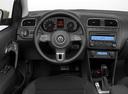 Подержанный Volkswagen Polo, белый перламутр, цена 699 000 руб. в ао. Ханты-Мансийском Автономном округе - Югре, отличное состояние