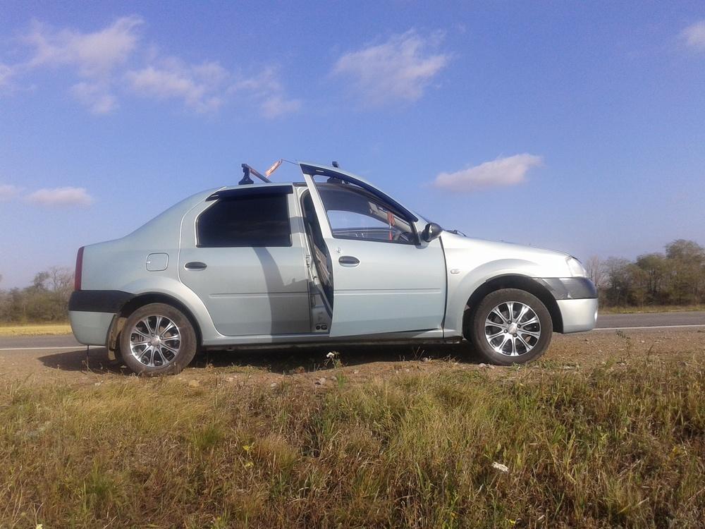 Подержанный Renault Logan, хорошее состояние, серый , 2006 года выпуска, цена 180 000 руб. в Челябинской области