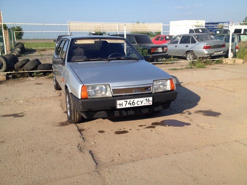 Подержанный ВАЗ (Lada) 2109, хорошее состояние, серебряный металлик, 2001 года выпуска, цена 53 000 руб. в республике Татарстане