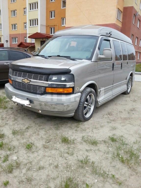 Подержанный Chevrolet Express, отличное состояние, золотой , 2004 года выпуска, цена 2 000 000 руб. в ао. Ханты-Мансийском Автономном округе - Югре