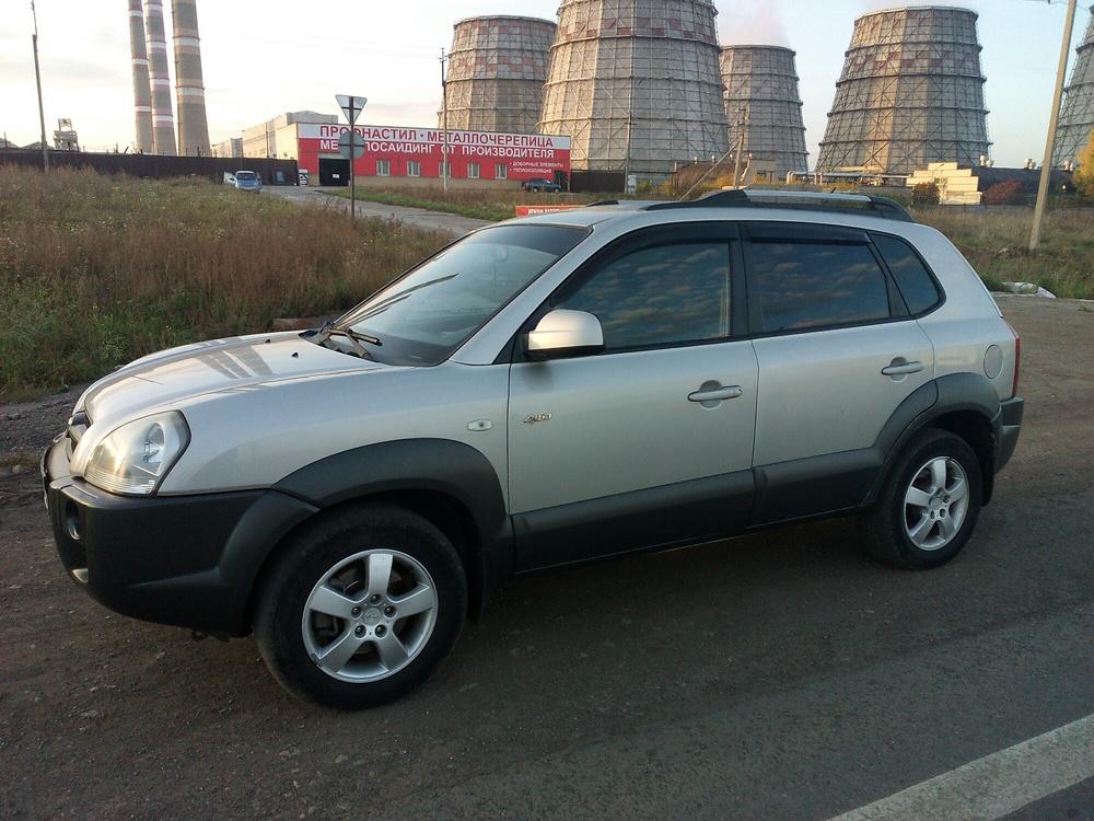 Подержанный Hyundai Tucson, отличное состояние, серебряный перламутр, 2008 года выпуска, цена 550 000 руб. в республике Татарстане