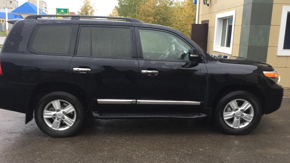 Подержанный Toyota Land Cruiser, отличное состояние, черный , 2013 года выпуска, цена 3 000 000 руб. в Челябинской области