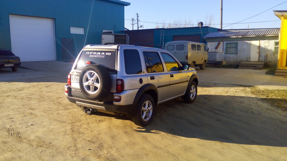 Подержанный Land Rover Freelander, хорошее состояние, серебряный , 2004 года выпуска, цена 450 000 руб. в ао. Ханты-Мансийском Автономном округе - Югре