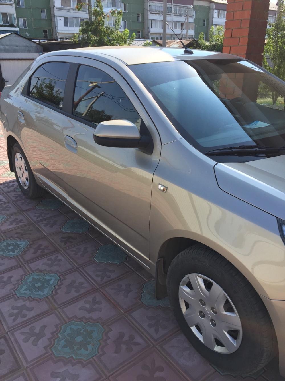 Подержанный Chevrolet Cobalt, отличное состояние, бежевый акрил, 2013 года выпуска, цена 410 000 руб. в республике Татарстане