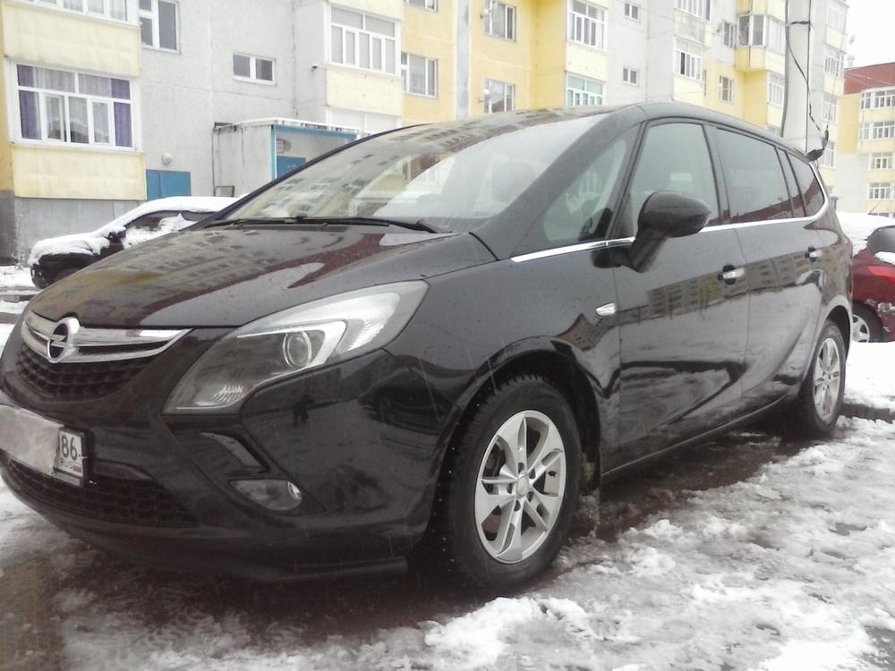 Подержанный Opel Zafira, отличное состояние, черный , 2012 года выпуска, цена 1 000 000 руб. в ао. Ханты-Мансийском Автономном округе - Югре