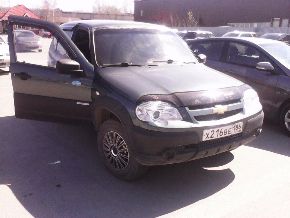 Подержанный Chevrolet Niva, отличное состояние, зеленый металлик, 2013 года выпуска, цена 420 000 руб. в ао. Ханты-Мансийском Автономном округе - Югре