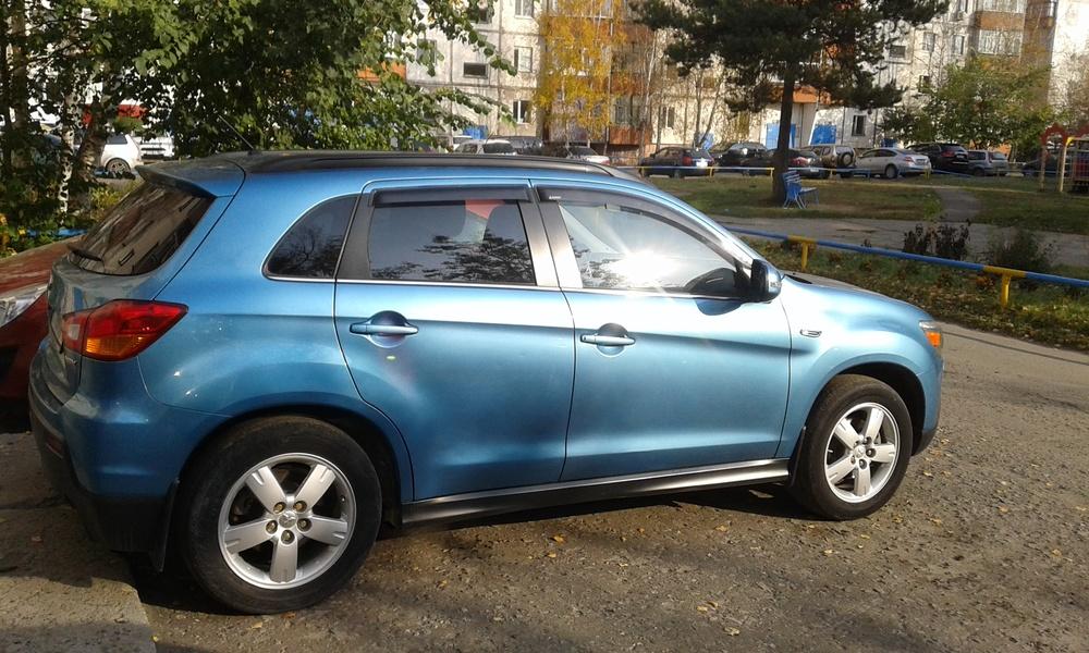 Подержанный Mitsubishi ASX, отличное состояние, бирюзовый металлик, 2011 года выпуска, цена 825 000 руб. в ао. Ханты-Мансийском Автономном округе - Югре