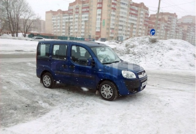 Подержанный Fiat Doblo, отличное состояние, синий металлик, 2008 года выпуска, цена 360 000 руб. в Челябинской области