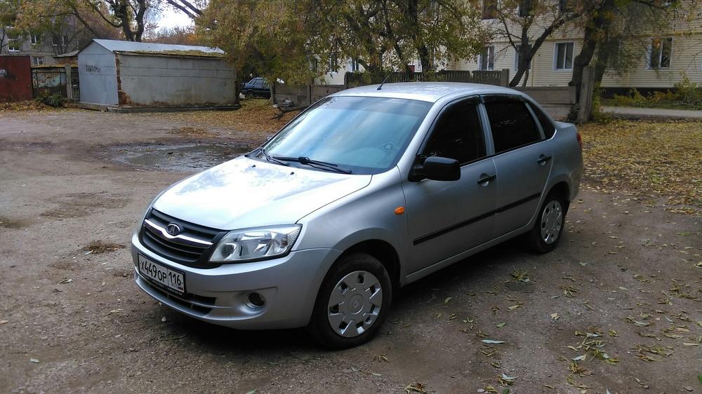 Подержанный ВАЗ (Lada) Granta, отличное состояние, серебряный , 2013 года выпуска, цена 340 000 руб. в республике Татарстане