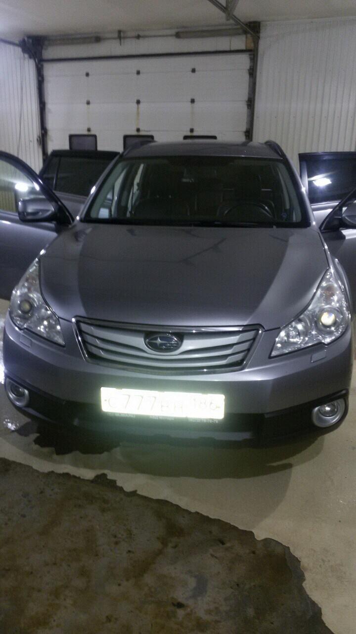 Подержанный Subaru Outback, хорошее состояние, серый , 2011 года выпуска, цена 1 100 000 руб. в ао. Ханты-Мансийском Автономном округе - Югре