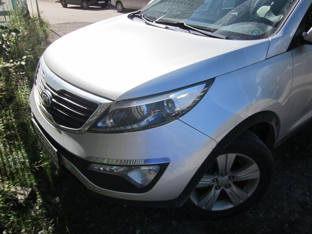 Подержанный Kia Sportage, хорошее состояние, серебряный , 2010 года выпуска, цена 830 000 руб. в ао. Ханты-Мансийском Автономном округе - Югре