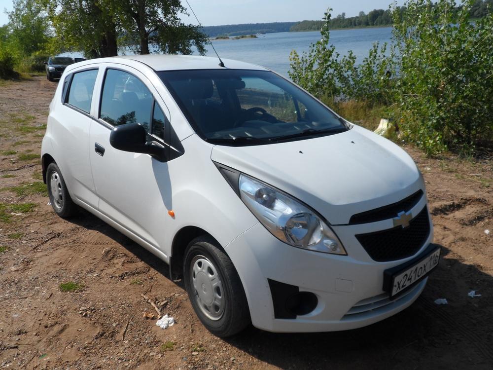 Подержанный Chevrolet Spark, отличное состояние, белый , 2012 года выпуска, цена 288 000 руб. в республике Татарстане