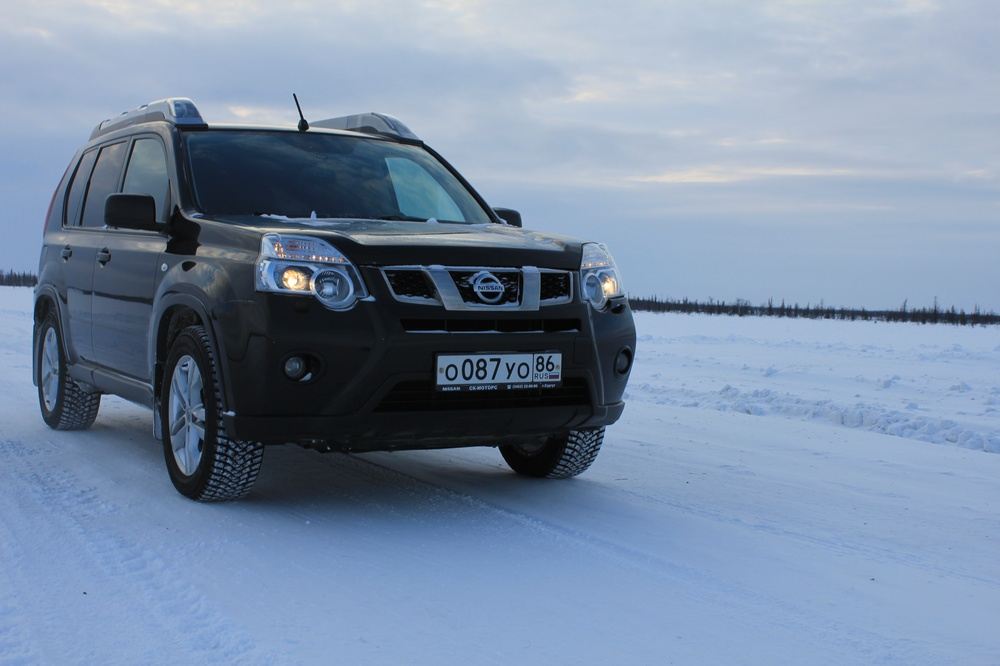 Подержанный Nissan X-Trail, отличное состояние, черный , 2012 года выпуска, цена 1 045 000 руб. в ао. Ханты-Мансийском Автономном округе - Югре