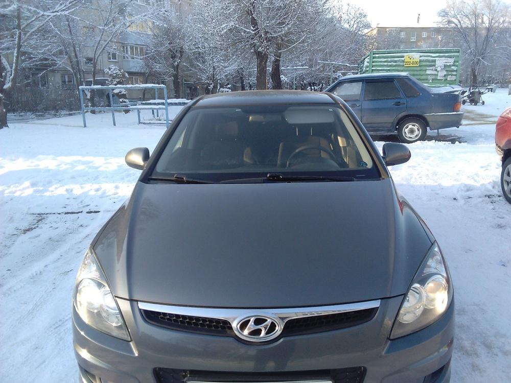 Подержанный Hyundai i30, отличное состояние, серый металлик, 2010 года выпуска, цена 410 000 руб. в Челябинской области