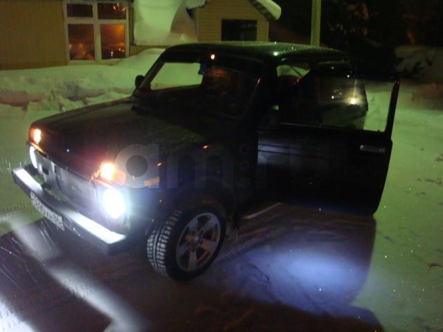 Подержанный ВАЗ (Lada) 4x4, отличное состояние, бордовый , 2011 года выпуска, цена 240 000 руб. в ао. Ханты-Мансийском Автономном округе - Югре