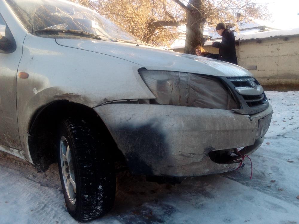 Подержанный ВАЗ (Lada) Granta, среднее состояние, белый , 2012 года выпуска, цена 185 000 руб. в Челябинской области