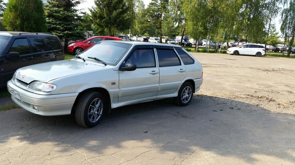 Подержанный ВАЗ (Lada) 2114, отличное состояние, серебряный , 2004 года выпуска, цена 90 000 руб. в Челябинской области