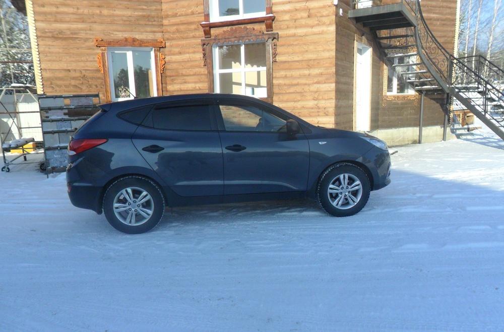 Подержанный Hyundai ix35, отличное состояние, серый металлик, 2010 года выпуска, цена 759 900 руб. в ао. Ханты-Мансийском Автономном округе - Югре