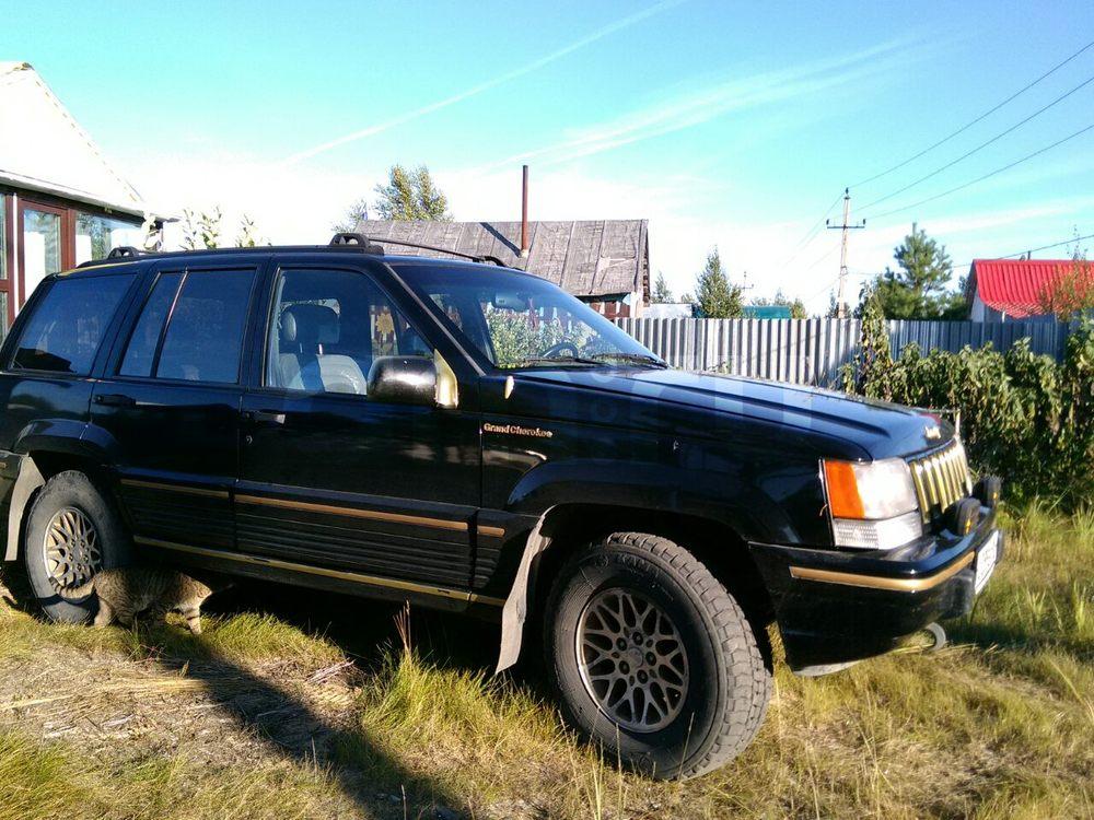 Подержанный Jeep Grand Cherokee, хорошее состояние, черный , 1994 года выпуска, цена 300 000 руб. в ао. Ханты-Мансийском Автономном округе - Югре