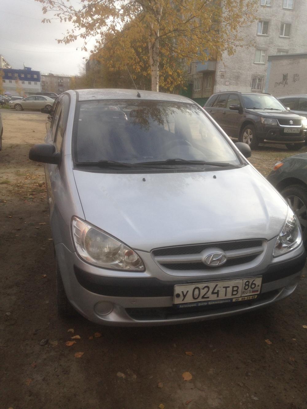 Подержанный Hyundai Getz, отличное состояние, серебряный , 2008 года выпуска, цена 245 000 руб. в ао. Ханты-Мансийском Автономном округе - Югре