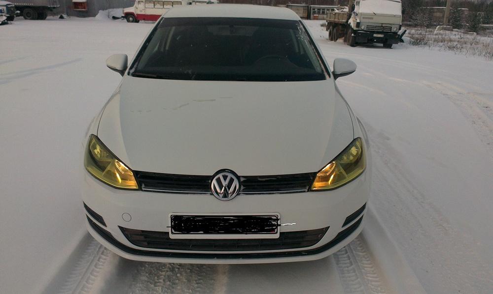 Подержанный Volkswagen Golf, отличное состояние, белый , 2014 года выпуска, цена 840 000 руб. в ао. Ханты-Мансийском Автономном округе - Югре