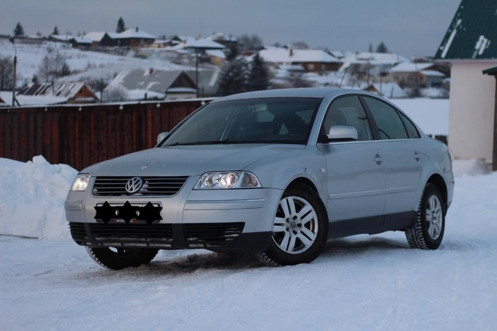 Подержанный Volkswagen Passat, хорошее состояние, серебряный металлик, 2003 года выпуска, цена 300 000 руб. в Челябинской области