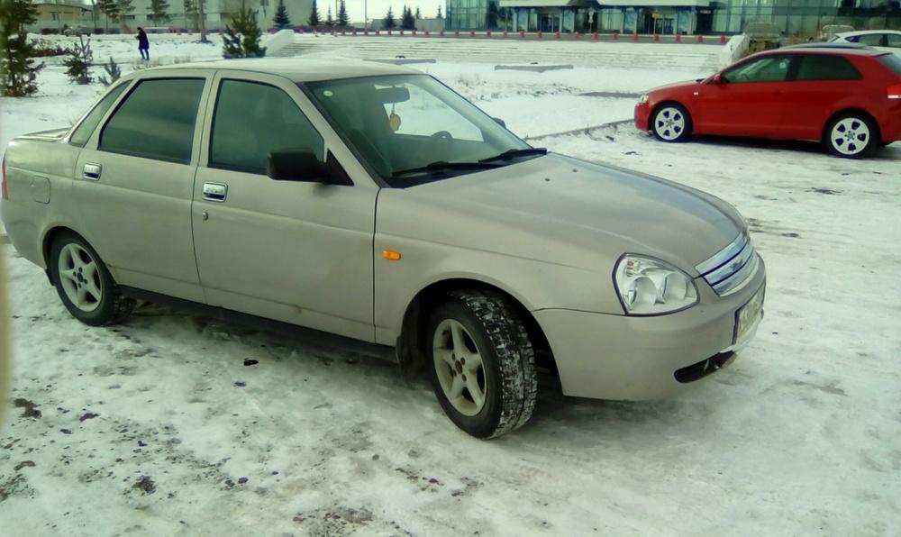 Подержанный ВАЗ (Lada) Priora, хорошее состояние, бежевый , 2007 года выпуска, цена 155 000 руб. в Челябинской области