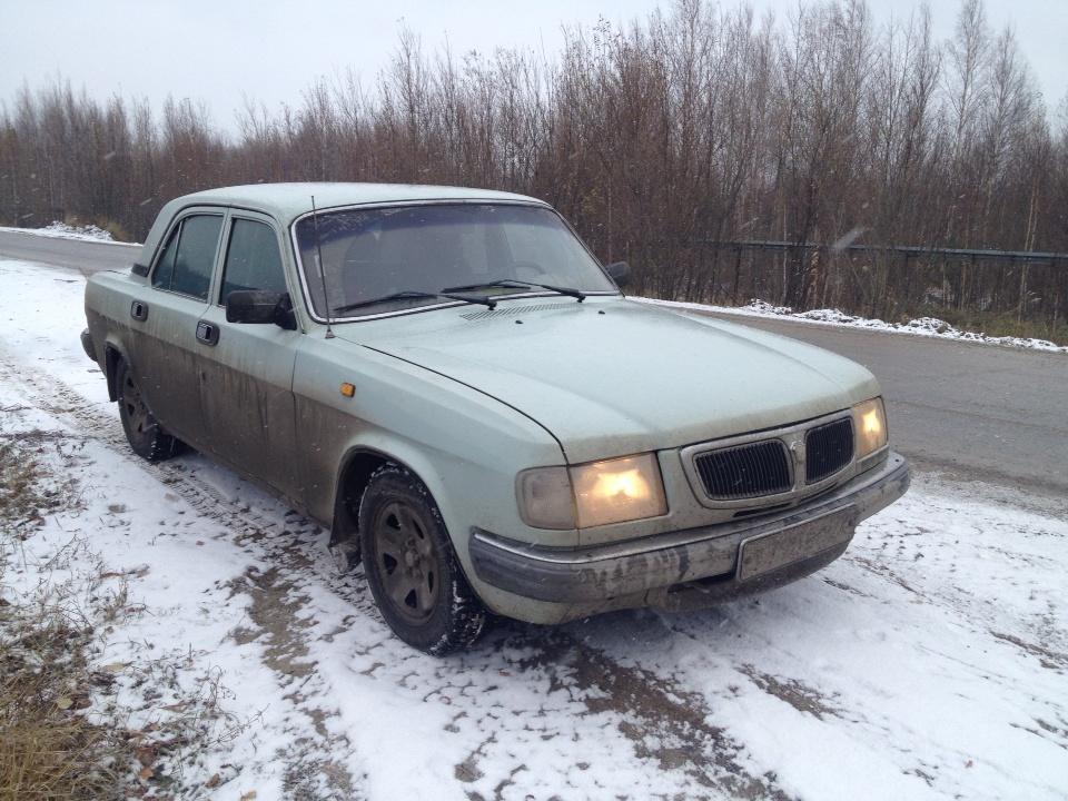 Подержанный ГАЗ 3110 Волга, хорошее состояние, серый , 1998 года выпуска, цена 65 000 руб. в ао. Ханты-Мансийском Автономном округе - Югре