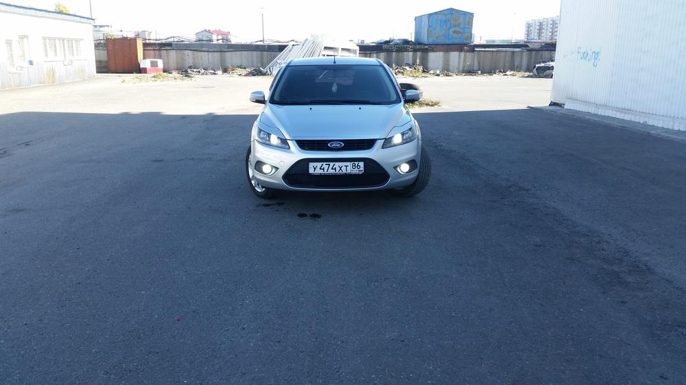 Подержанный Ford Focus, хорошее состояние, серебряный металлик, 2008 года выпуска, цена 380 000 руб. в ао. Ханты-Мансийском Автономном округе - Югре