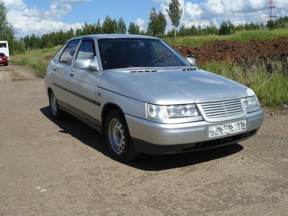 Подержанный ВАЗ (Lada) 2112, хорошее состояние, серебряный металлик, 2002 года выпуска, цена 55 000 руб. в республике Татарстане