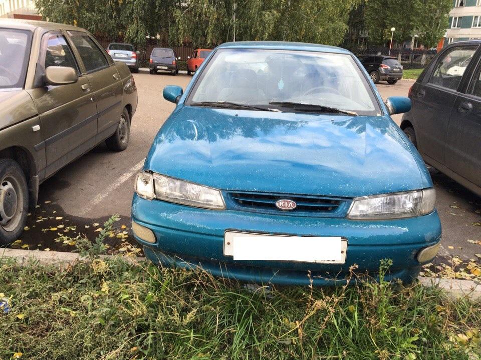 Подержанный Kia Sephia, хорошее состояние, синий перламутр, 1998 года выпуска, цена 75 000 руб. в республике Татарстане