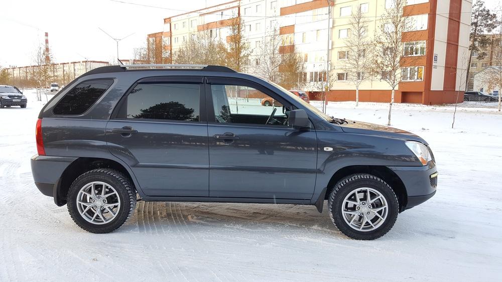 Подержанный Kia Sportage, среднее состояние, серый , 2010 года выпуска, цена 650 000 руб. в ао. Ханты-Мансийском Автономном округе - Югре