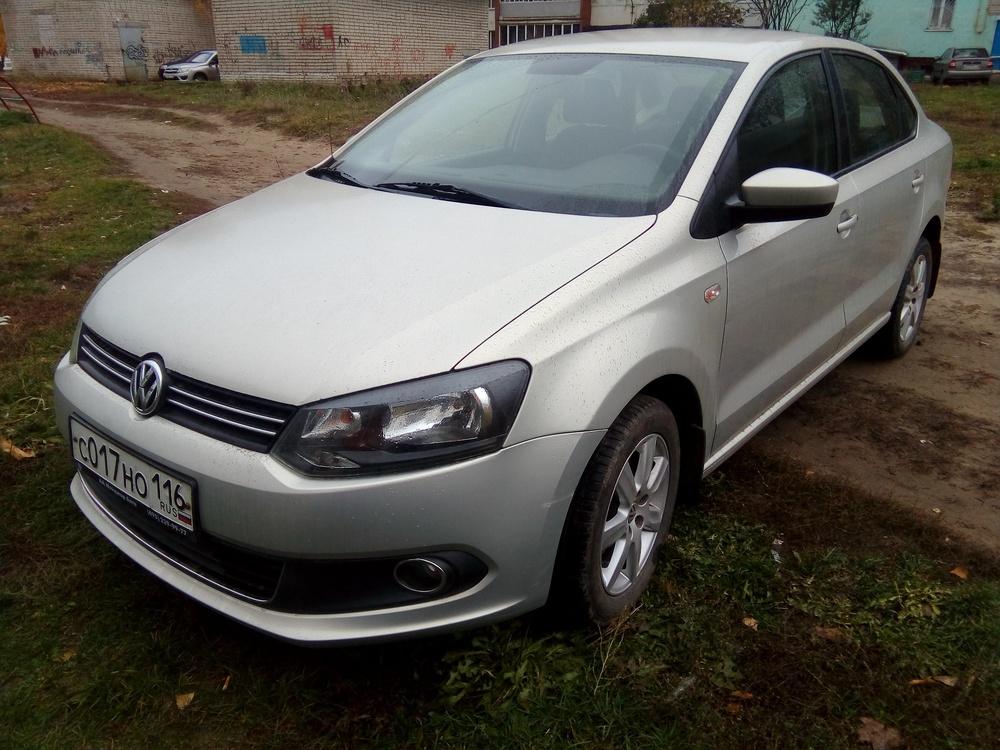 Подержанный Volkswagen Polo, хорошее состояние, серебряный , 2013 года выпуска, цена 495 000 руб. в республике Татарстане