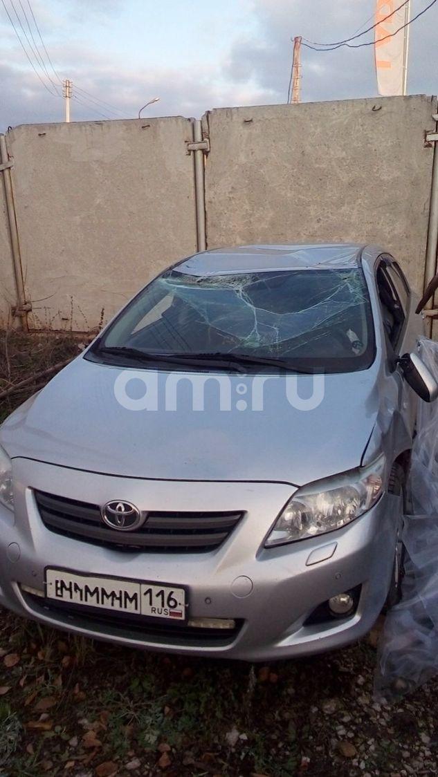 Подержанный Toyota Corolla, битый состояние, серебряный , 2008 года выпуска, цена 250 000 руб. в республике Татарстане