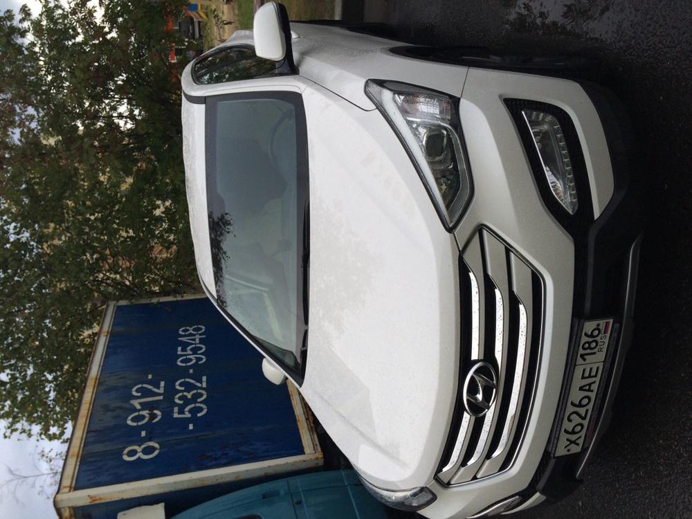 Подержанный Hyundai Santa Fe, отличное состояние, белый перламутр, 2014 года выпуска, цена 1 600 000 руб. в ао. Ханты-Мансийском Автономном округе - Югре
