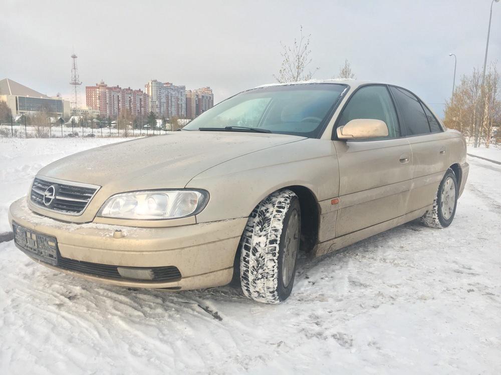 Подержанный Opel Omega, хорошее состояние, золотой , 2000 года выпуска, цена 220 000 руб. в ао. Ханты-Мансийском Автономном округе - Югре