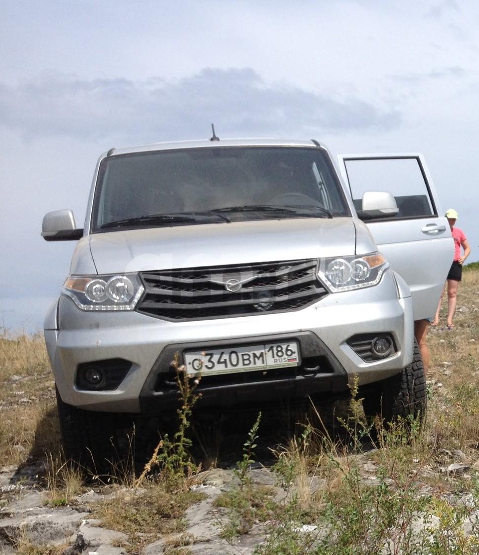 Подержанный УАЗ Patriot, отличное состояние, серебряный металлик, 2016 года выпуска, цена 700 000 руб. в ао. Ханты-Мансийском Автономном округе - Югре