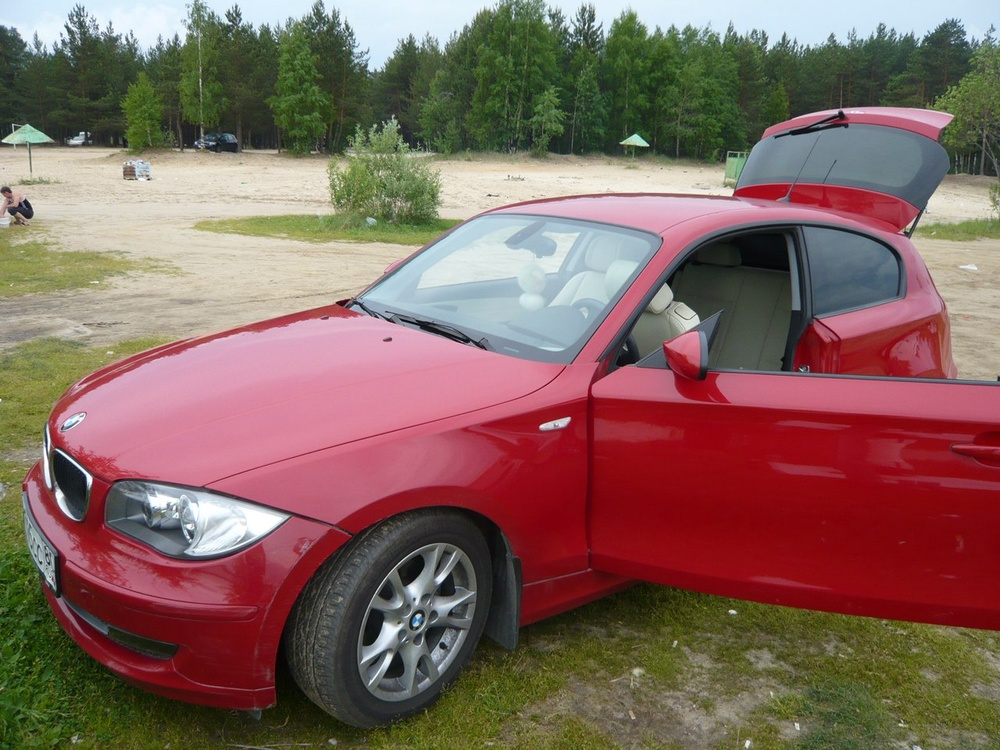 Подержанный BMW 1 серия, хорошее состояние, красный , 2008 года выпуска, цена 500 000 руб. в ао. Ханты-Мансийском Автономном округе - Югре