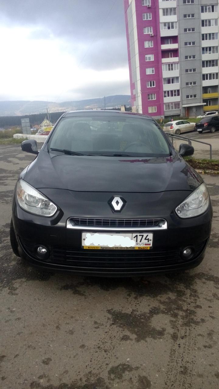 Подержанный Renault Fluence, хорошее состояние, черный , 2011 года выпуска, цена 450 000 руб. в Челябинской области