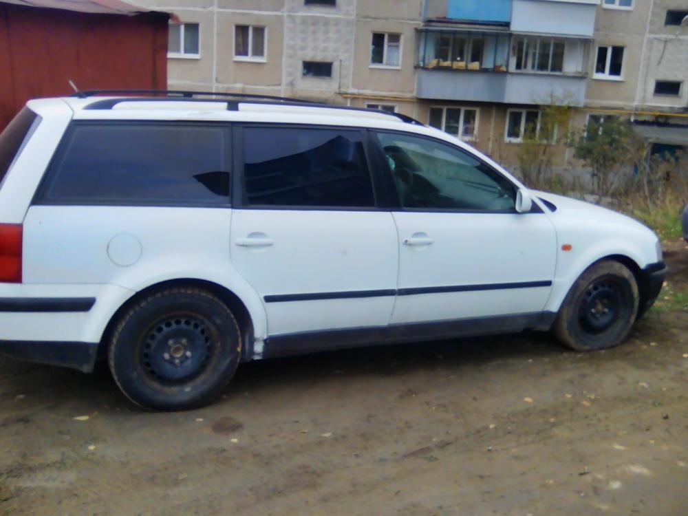 Подержанный Volkswagen Passat, хорошее состояние, белый , 1997 года выпуска, цена 140 000 руб. в Челябинской области