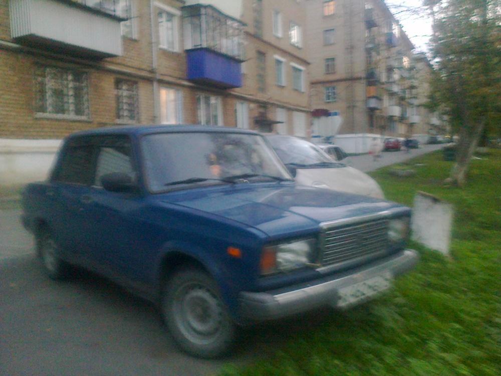 Подержанный ВАЗ (Lada) 2107, хорошее состояние, синий металлик, 2000 года выпуска, цена 65 000 руб. в Челябинской области