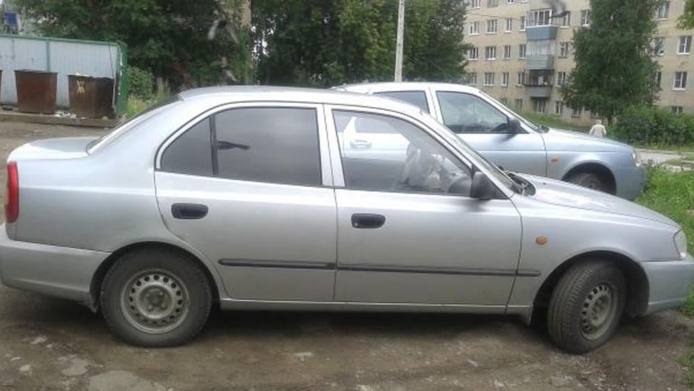 Подержанный Hyundai Accent, хорошее состояние, серебряный , 2005 года выпуска, цена 150 000 руб. в Челябинской области