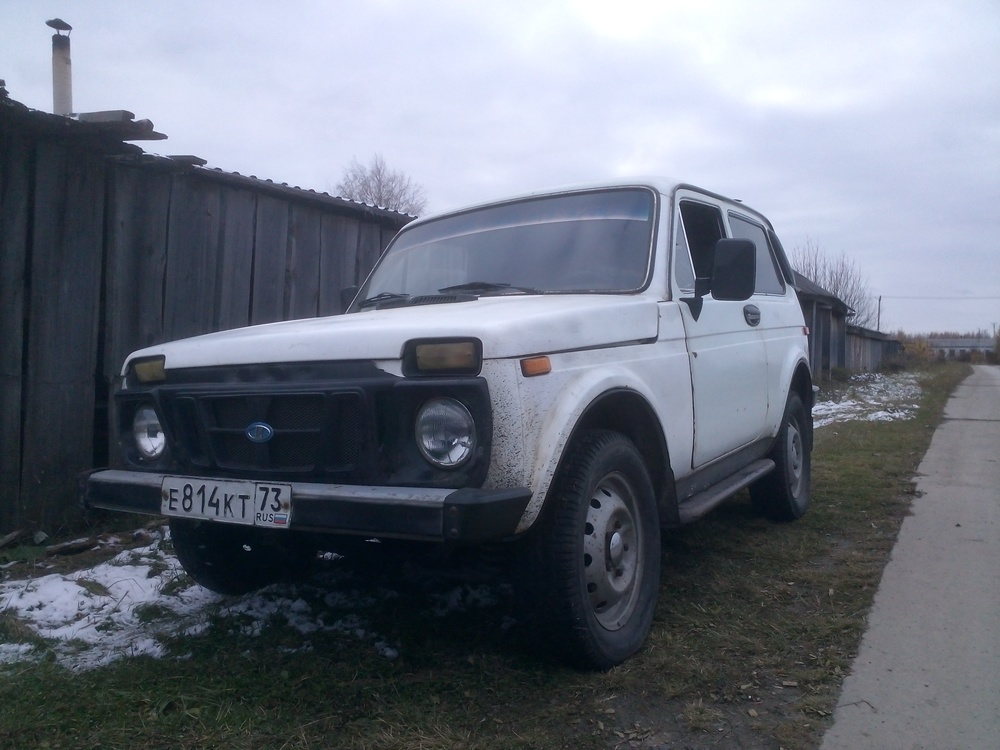 Подержанный ВАЗ (Lada) 4x4, хорошее состояние, белый , 1986 года выпуска, цена 73 000 руб. в ао. Ханты-Мансийском Автономном округе - Югре