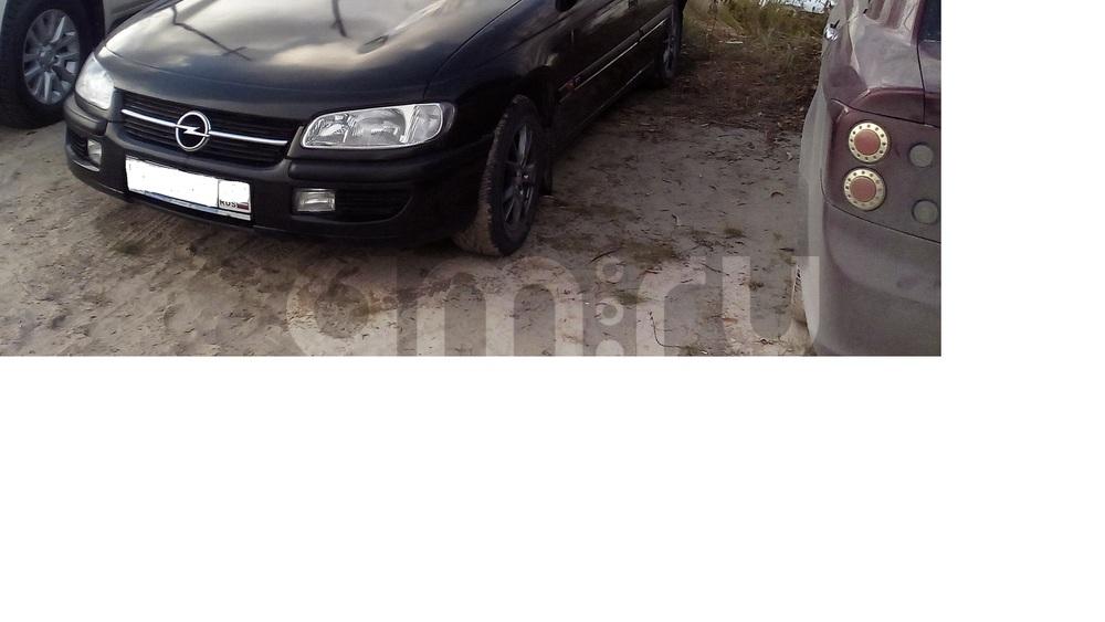 Подержанный Opel Omega, хорошее состояние, черный , 1996 года выпуска, цена 120 000 руб. в ао. Ханты-Мансийском Автономном округе - Югре