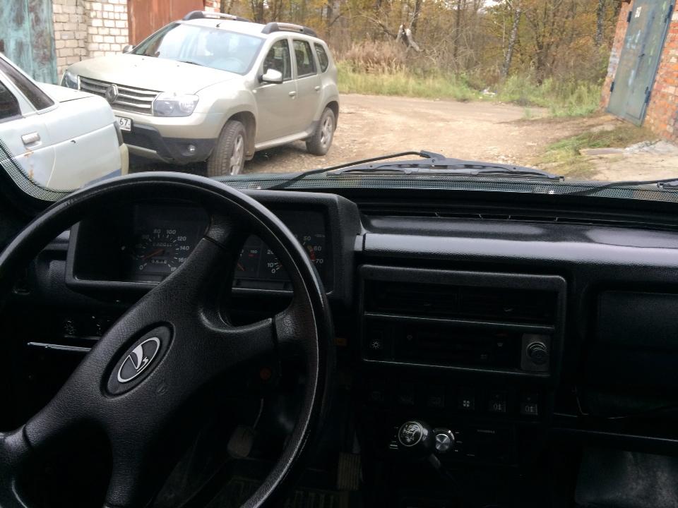 Подержанный ВАЗ (Lada) 4x4, среднее состояние, зеленый матовый, 1999 года выпуска, цена 100 000 руб. в Смоленской области