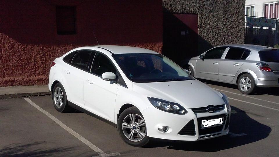 Подержанный Ford Focus, отличное состояние, белый металлик, 2013 года выпуска, цена 660 000 руб. в Челябинской области
