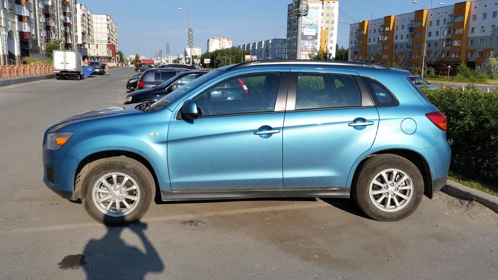 Подержанный Mitsubishi ASX, отличное состояние, синий металлик, 2013 года выпуска, цена 850 000 руб. в ао. Ханты-Мансийском Автономном округе - Югре