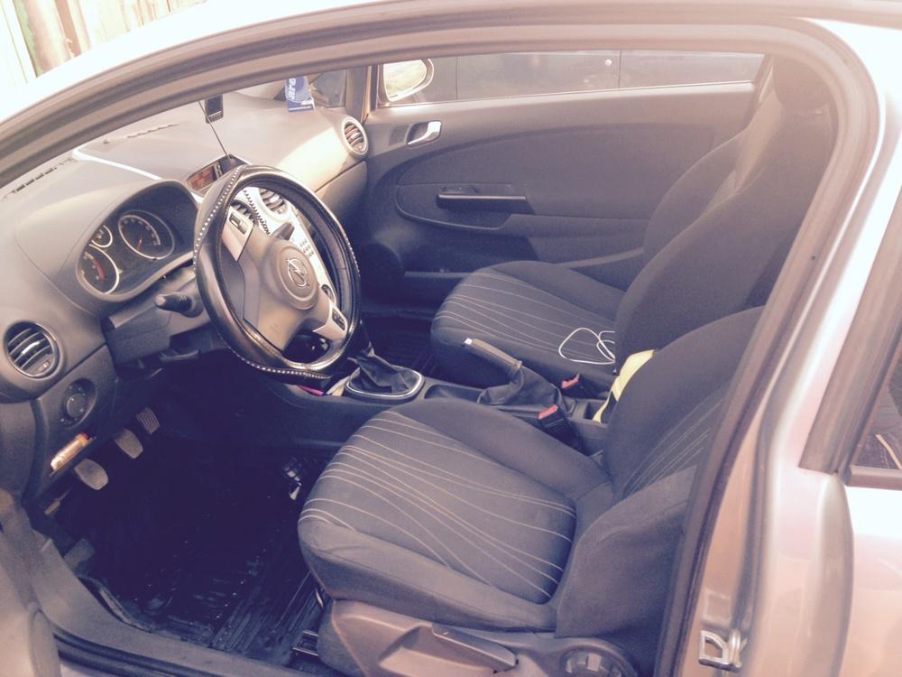 Подержанный Opel Corsa, хорошее состояние, серый перламутр, 2007 года выпуска, цена 260 000 руб. в Челябинской области