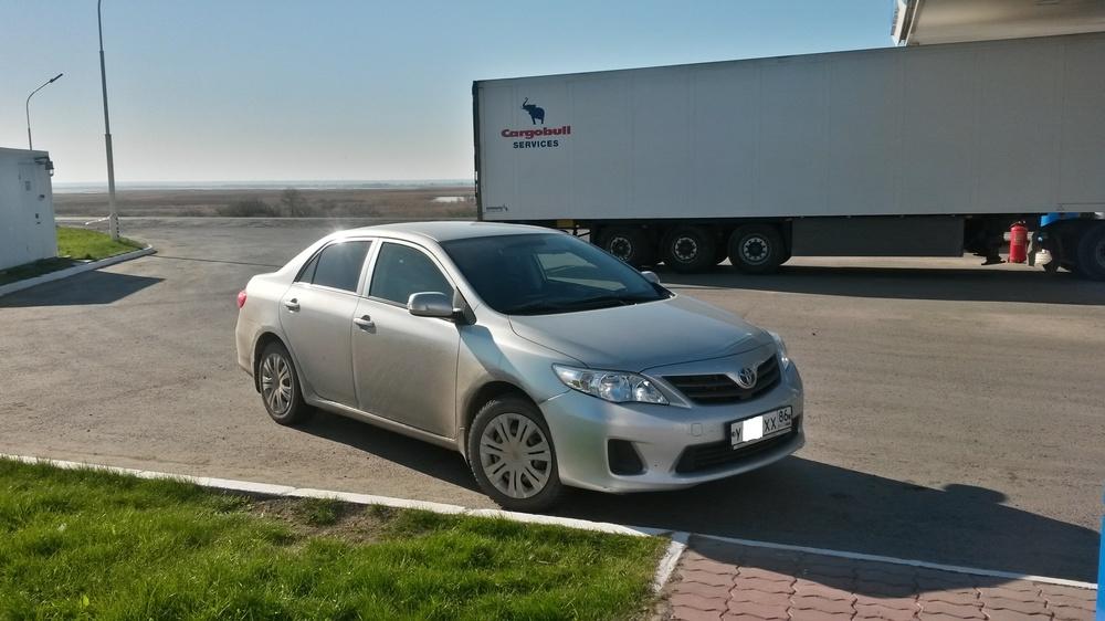 Подержанный Toyota Corolla, отличное состояние, серебряный , 2012 года выпуска, цена 700 000 руб. в ао. Ханты-Мансийском Автономном округе - Югре